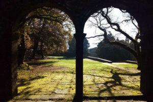 Immagine del porticato di Santiago