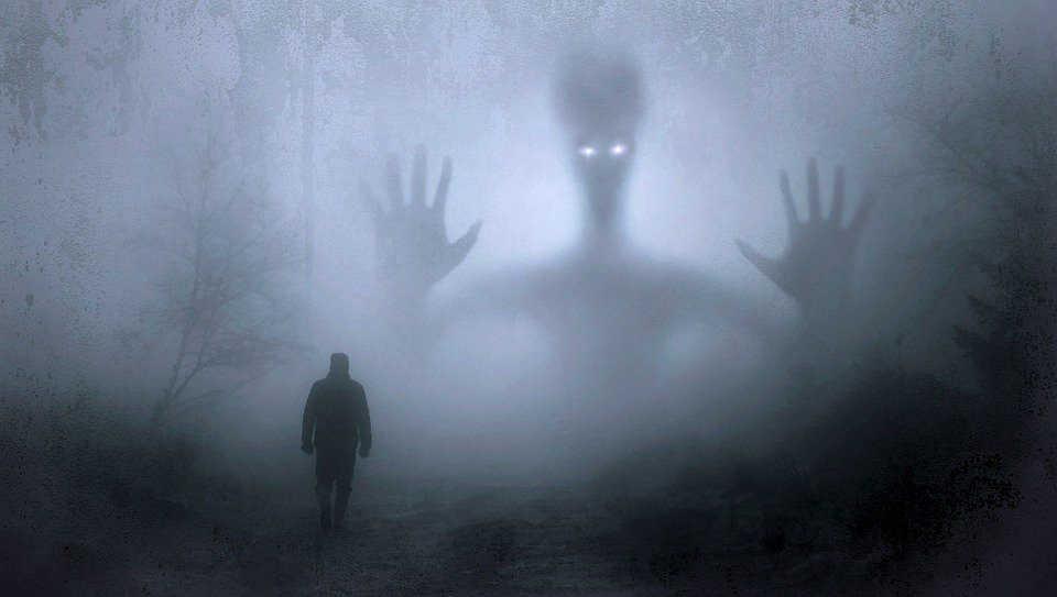 Immagine di uomo e ombra