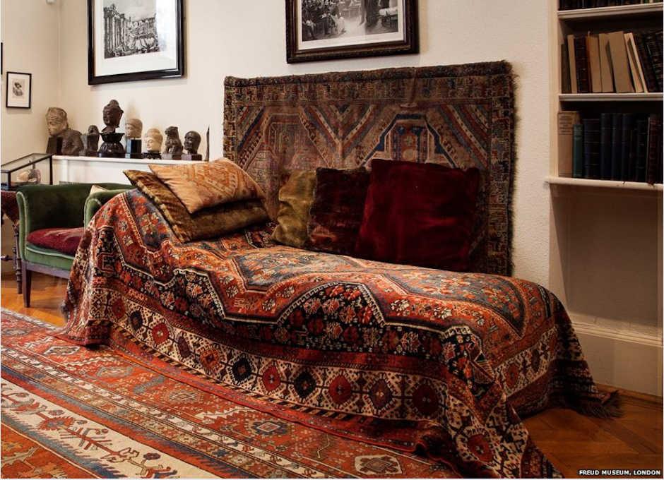 Immagine divano Freud