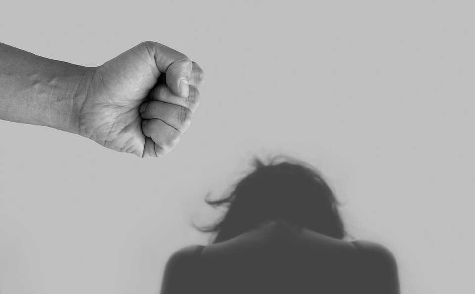 Immagine di donna maltrattata